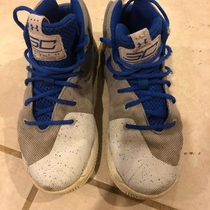 Boys stef curry UA sneakers size 2 youth